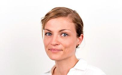 Frau Dr. Agoston